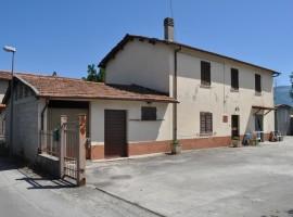 Cod. 912-Rieti, Via Pietro Nenni( Zona Porta D'Arce): Immobile indipendente