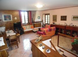 Cod. 955- Lugnano (Vazia): Immobile indipendente