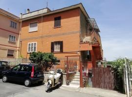Cod. 958- Roma,Via Caselle Torinese: Appartamento