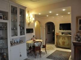Cod. 993- Roma, Via Delle Albizzie: Appartamento